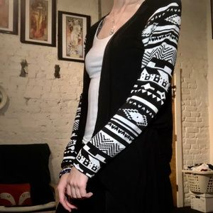 Sweaters - Patterned sleeves cardigan